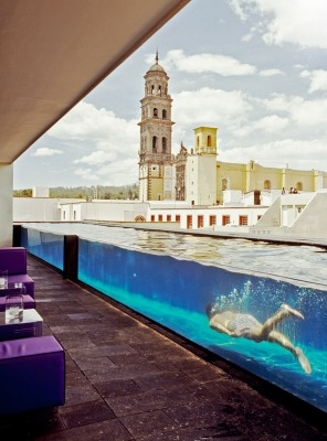 La purificadora glass swimming pool