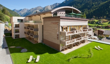 Bergland Hotel Solden Architecture Active Terrace Mountain View By Summer M 12 R