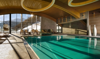 Bergland Hotel Solden Pool Mountain View By Winter M 06 R