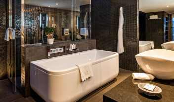 Five Seas Hotel Cannes Bathroom Interior Design M 09 R