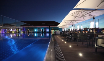Five Seas Hotel Cannes Rooftop Terrace Pool Bar By Night M 05
