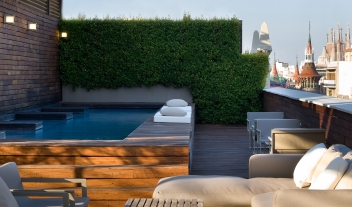 Hotel Omm Rooftop Terrace Pool Sagrada Familia View M 04 R