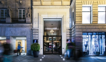 Hotel Zoo Berlin Architecture Facade Entrance By Night M 01 R