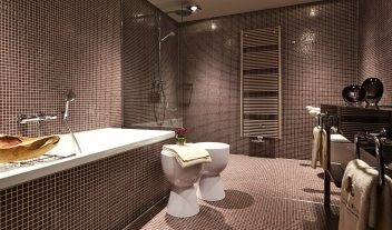 Hotel Zum Loewen Bathroom Interior Design M 10 R