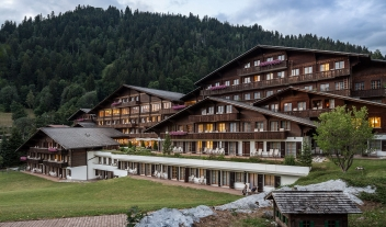 Huus Gstaad Architecture in Gstaad