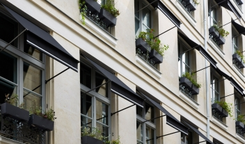 Le Roch Facade in Paris