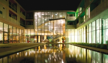 Loisium Wine And Spa Resort Langenlois Architecture Pool View By Night M 10