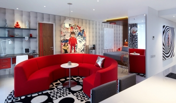 Luna2 Studiotel Red Room Red Sofa Interior Design M 04 R