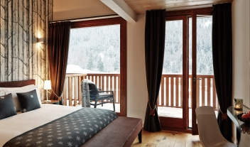 Nira Montana Bedroom Interior Design Balcony Forest Winter View M 08 R