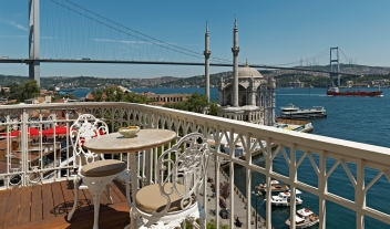 The House Hotel Bosphorus Balcony River City Church View M 09 R