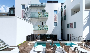 The Royal Snail Outdoor Pool Terrace Hotel Architecture M 07 R