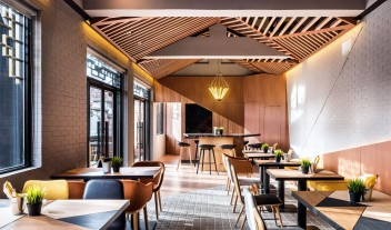 Vue Hotel Houhai Beijing Dining Tables in China
