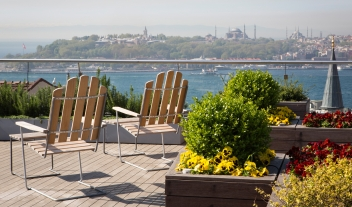 Witt Istanbul Rooftop Terrace Relax Chairs City River View M 10 R