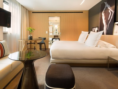 Le Cinq Codet Bed in Paris
