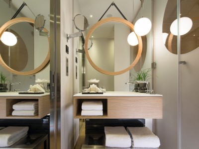 Le Cinq Codet Wash Basin in Paris