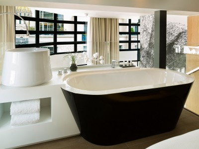 Le Cinq Codet Tub in Paris