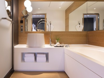 Le Cinq Codet Bath in Paris