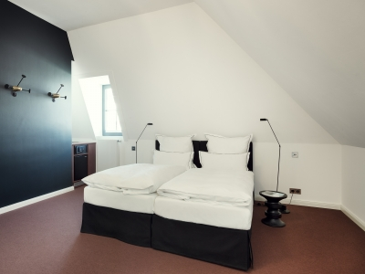 Qvest Hotel Double Room L R 3