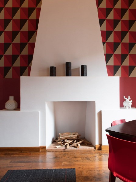 Carlota Fireplace in Quito