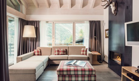 Cervo Mountain Boutique Resort Living Room in Zermatt