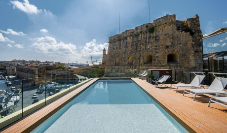 Cugo Gran Macina Grand Harbour Rooftop Pool in Senglea