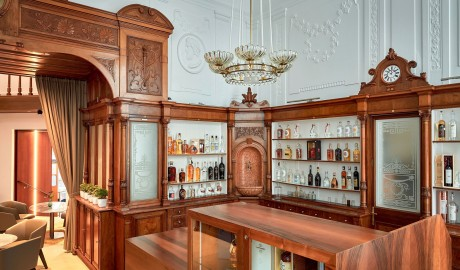 Das Triest Bar Pharmacy in Vienna