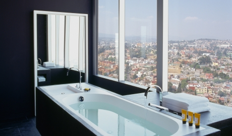 Distrito Capital Bedroom Bathtub City View M 11 R