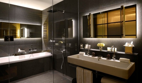Grand Hotel Central Bathroom in Barcelona