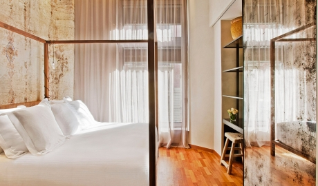 Hotel Claris Bedding in Barcelona