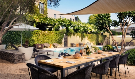 Hotel Healdsburg Terrace And Pool M 06 R V01