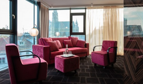 Hotel Lamee Pink Lounge in Vienna