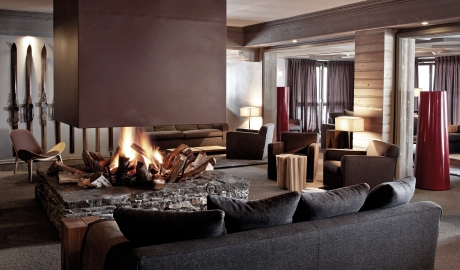 Le Fitz Roy Fireplace in Val Thorens