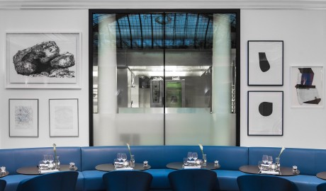Hotel Vernet Blue Sofa in Paris