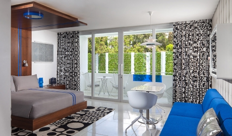 Luna2 Studiotel Bedroom Interior Design Balcony M 07