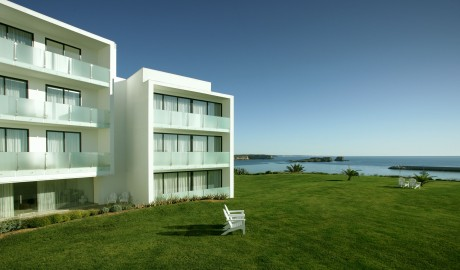 Memmo baleeira algarve portugal design hotels for Decor hotel portugal