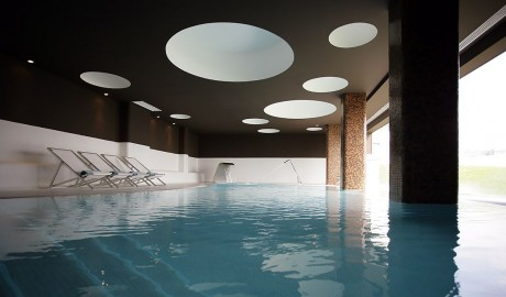 Memo Baleeira Indoor Pool in Sagres