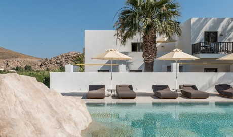 Parilio Design in Paros