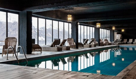 Rooms Hotel Kazbegi Pool in Stepantsminda