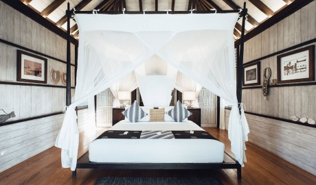 Suarga Padang Padang Four-poster Bed on Bukit Peninsula