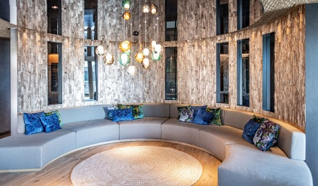 The Hide Hotel Flims, Sofa in Flims