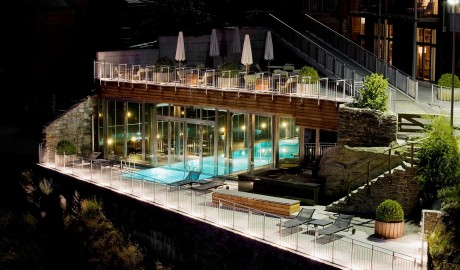 The Omnia Pool Exterior in Zermatt
