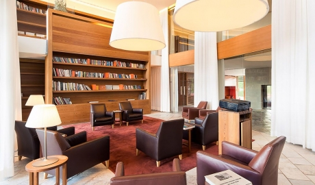 Vigilius Mountain Resort Library M 11