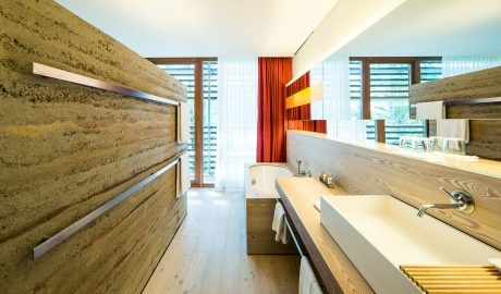 Vigilius Mountain Resort Room Bathroom Interior M 05 R