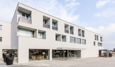 Villa C Boutique Hotel Building in Vila do Conde