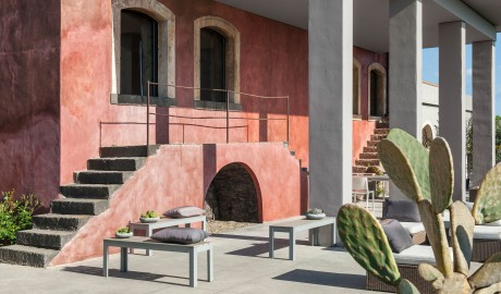 Zash Country Boutique Hotel Red Building in Archi Riposto