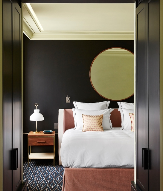 le roch hotel paris 2018 world 39 s best hotels. Black Bedroom Furniture Sets. Home Design Ideas
