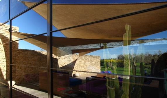 Domaine des Andeols Glass Wall in Provence