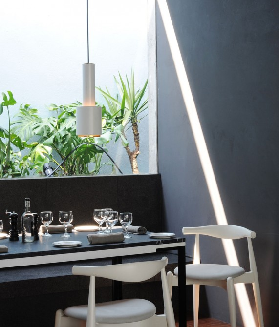 Distrito Capital Dining Table in Mexico City