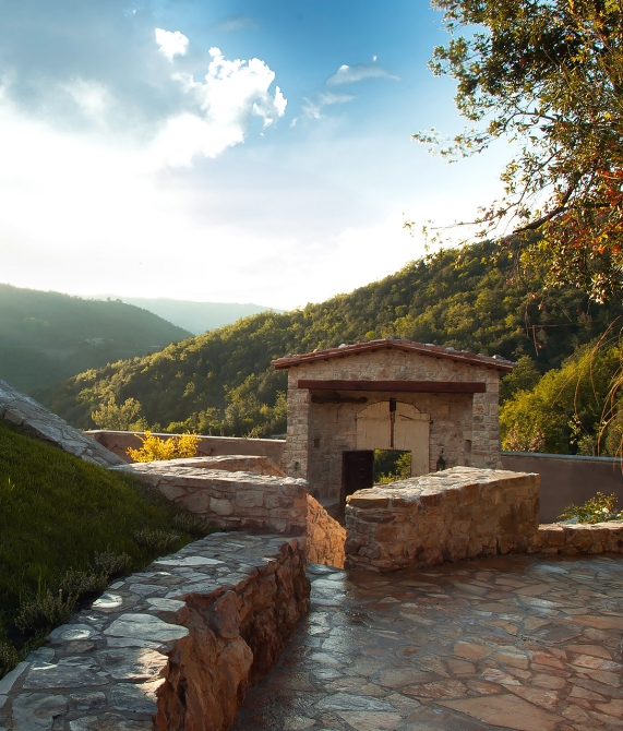 Architecture design at eremito in umbria italy design for Hotel design umbria