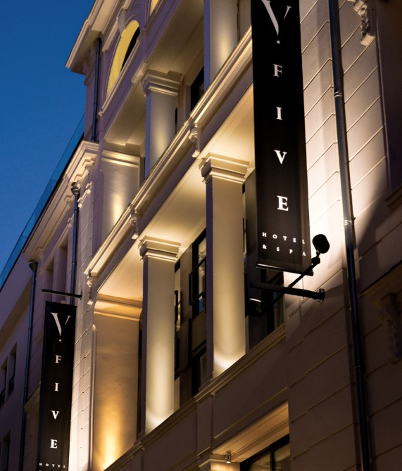 exterior facade night Five Seas Hotel Cannes